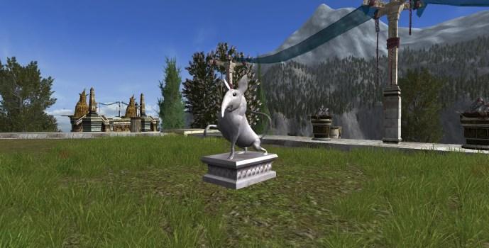 Majestueuse statue de musaraigne