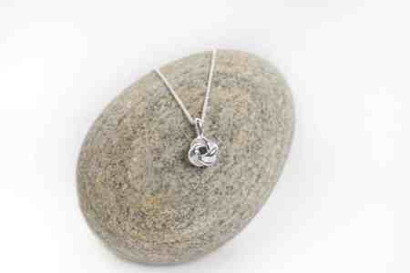 Love Knot Necklace (Small) 1
