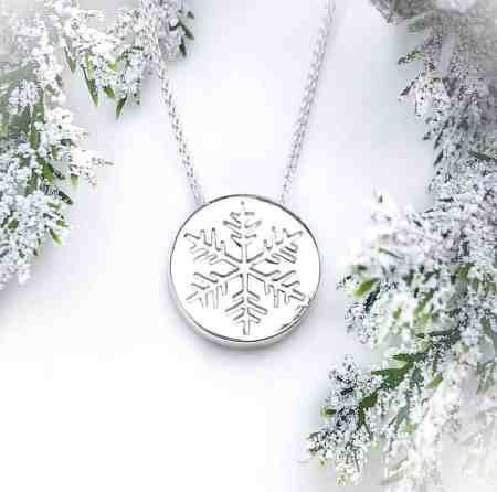 Snowflake Disk Necklace 1