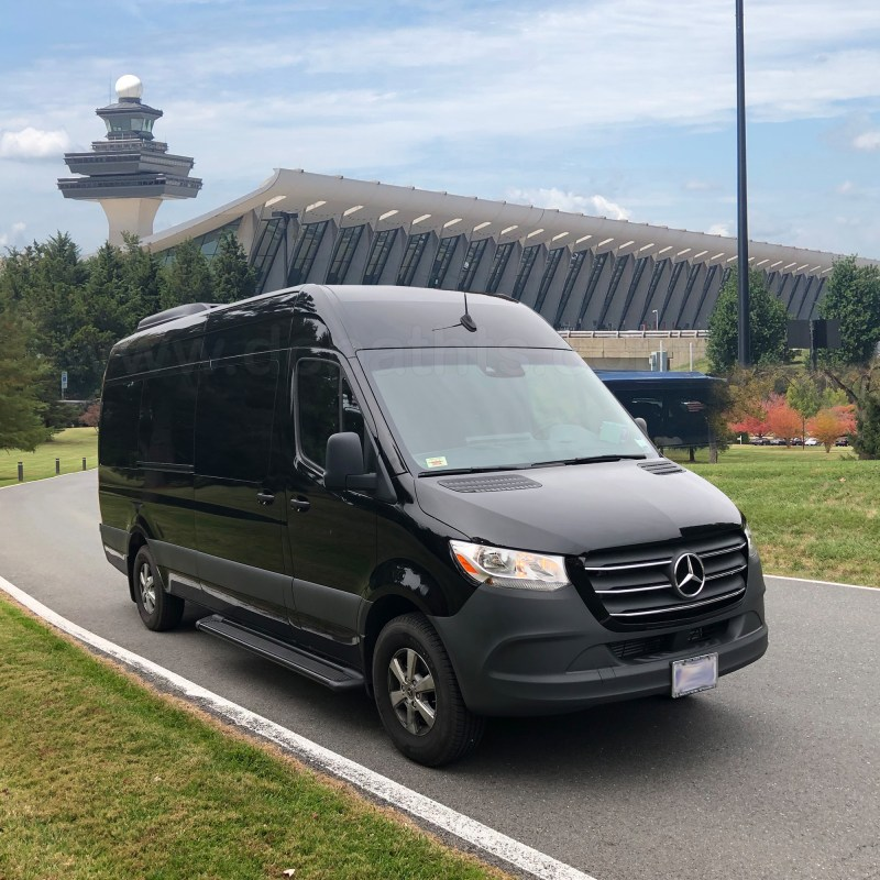 PRIVATE WASHINGTON DC AIRPORT SHUTTLE SERVICE