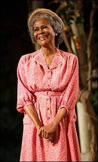Cicely Tyson as Carrie Watts 9Photo: Joan Marcus)