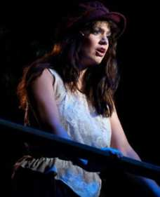 MaryKate Brouillet as Eponine (Photo: Kirstine Christiansen)