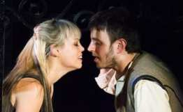 Erin Weaver as Juliet and Michael Goldsmith as Romeo (Photo: Jeffrey Malet)