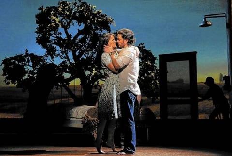 Kelli O'Hara and Steven Pasquale (Photo: Joan Marcus)
