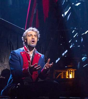 Ramin Karimloo as Jean Valjean in Les Miserables (Photo: Matthew Murphy)