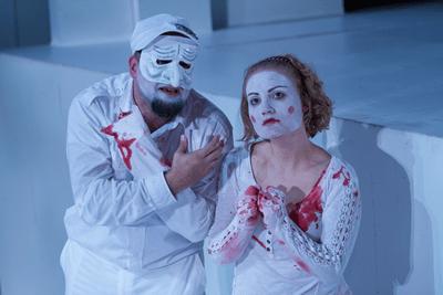 Nello DeBlasio as Titus and Miranda Medunga as Lavinia. (Photo: Teresa Wood)