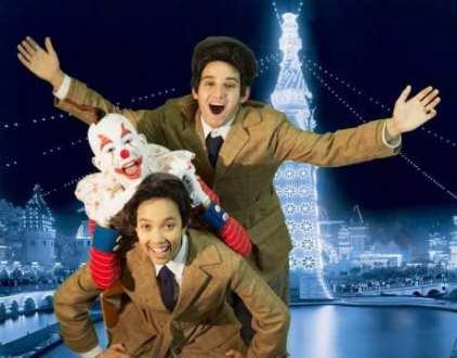 Jadyn Brick as Viola (bottom), Eva Parks as Feste the clown and Martin Glusker as Sebastian (Photo: Ron Murphy)
