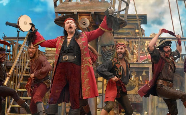 Capt. Hook and the pirates (Photo: Virginia Sherwood/NBC)