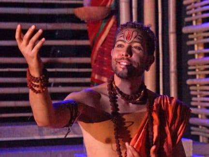 Michael Kevin Darnall as Parvasu (Photo: Stan Barouh)