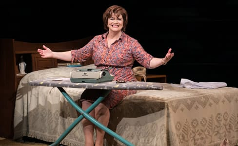 Barbara Chisholm as Erma Bombeck in Erma Bombeck: At Wit's End at Arena Stage at the Mead Center for American Theater.  (Photo: C. Stanley Photography)