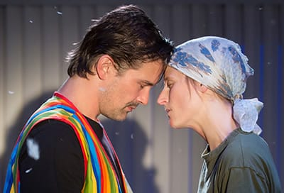 Chris Stack and Mamie Gummer in Ugly Lies The Bone at Roundabout Theatre (Photo: Joan Marcus