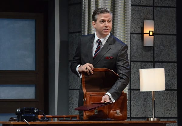 Ashley Smith as Tony Wendice in Dial 'M' for Murder at Olney Theatre Center (photo: Stan Barouh)