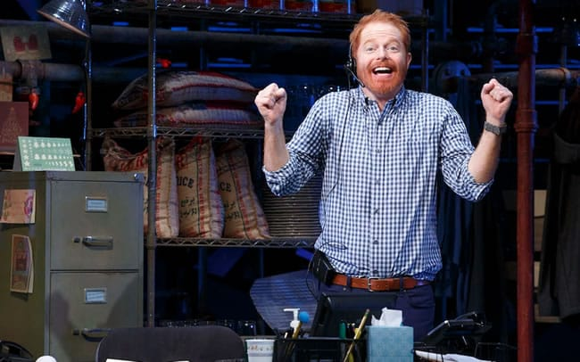 Jessie Tyler Ferguson in Fully Committed on Broadway (Photo: Joan Marcus)