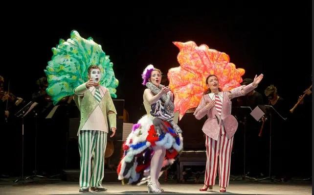 L-R: Damon (Robert Getchell), Clarice (Maïlys de Villoutreys), and Florise (Isabelle Poulenard) in La Double Coquette at Spoleto Festival USA 2016 (Photo: William Struhs)