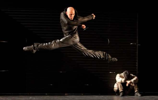 Jerome Marchand as Mercutio in Mats Ek's Juliet and Romeo (Photo: Gert Weigelt)