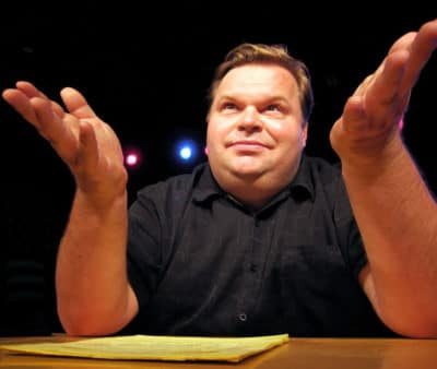 Mike Daisey appearing in The Trump Card at Woolly Mammoth Theatre (Photo: Ursa Waz)