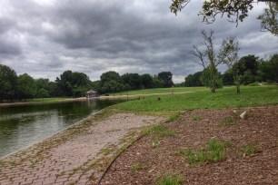 Un-restored path in Constitution Gardens