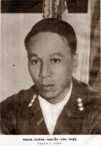 Tr. Tướng Nguyễn Văn Thiệu, CT Uy ban Lãnh đạo Quốc gia (1965). Nguồn: OntheNet