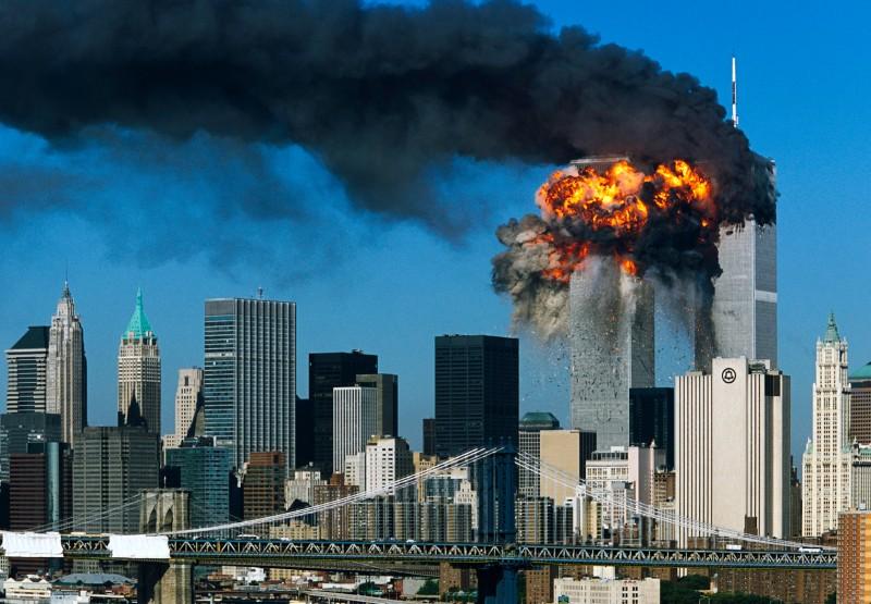 Khủng bố Al Quaeda tán công Tháp Đôi ở New York, USA, 11 tháng, 2001. Nguồn: OntheNet