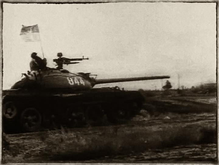 Tăng T-54 của Cộng quân tiến vào Ban Mê Thuột. Nguồn: wikiwand.com