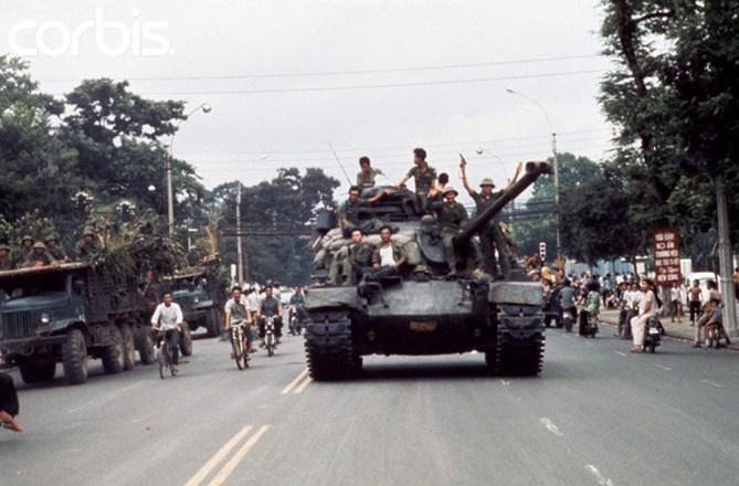 Image result for Saigon bỏ ngỏ năm 1975
