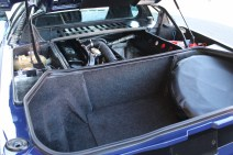 BMW M1 boot IMG_2480