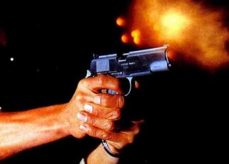 Resultado de imagem para bala saindo da arma