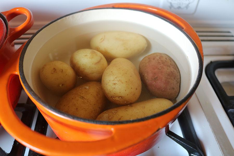 Pellkartoffeln kochen
