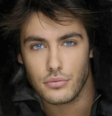 اجمل عيون رجال السحر داخل عيون الرجال
