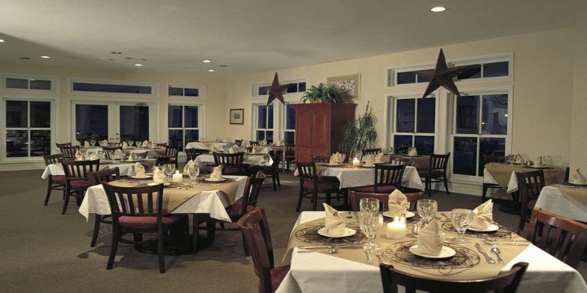 Photo of the dining room at The Cliffs