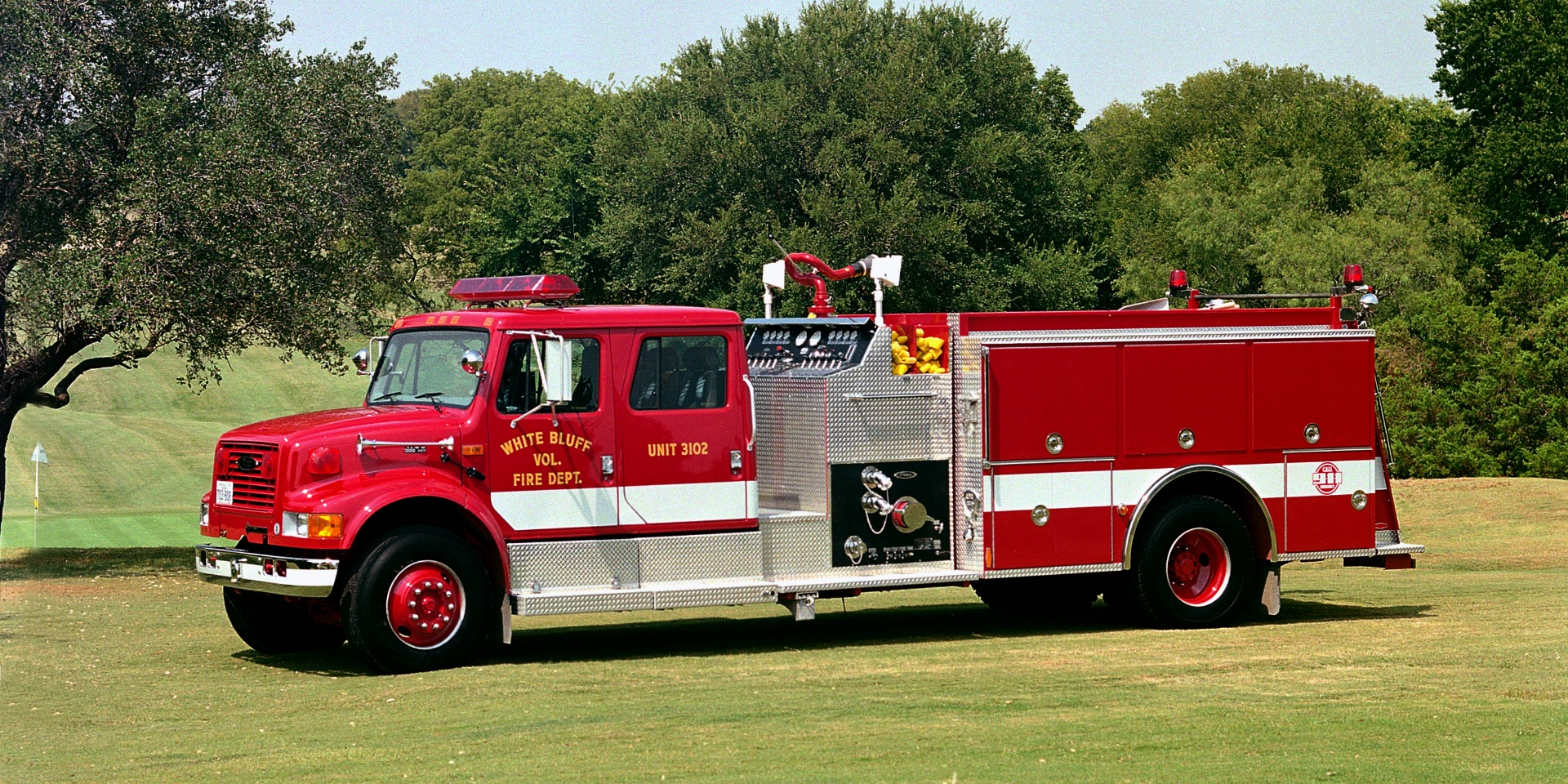 Photo of a White Bluff fire engine