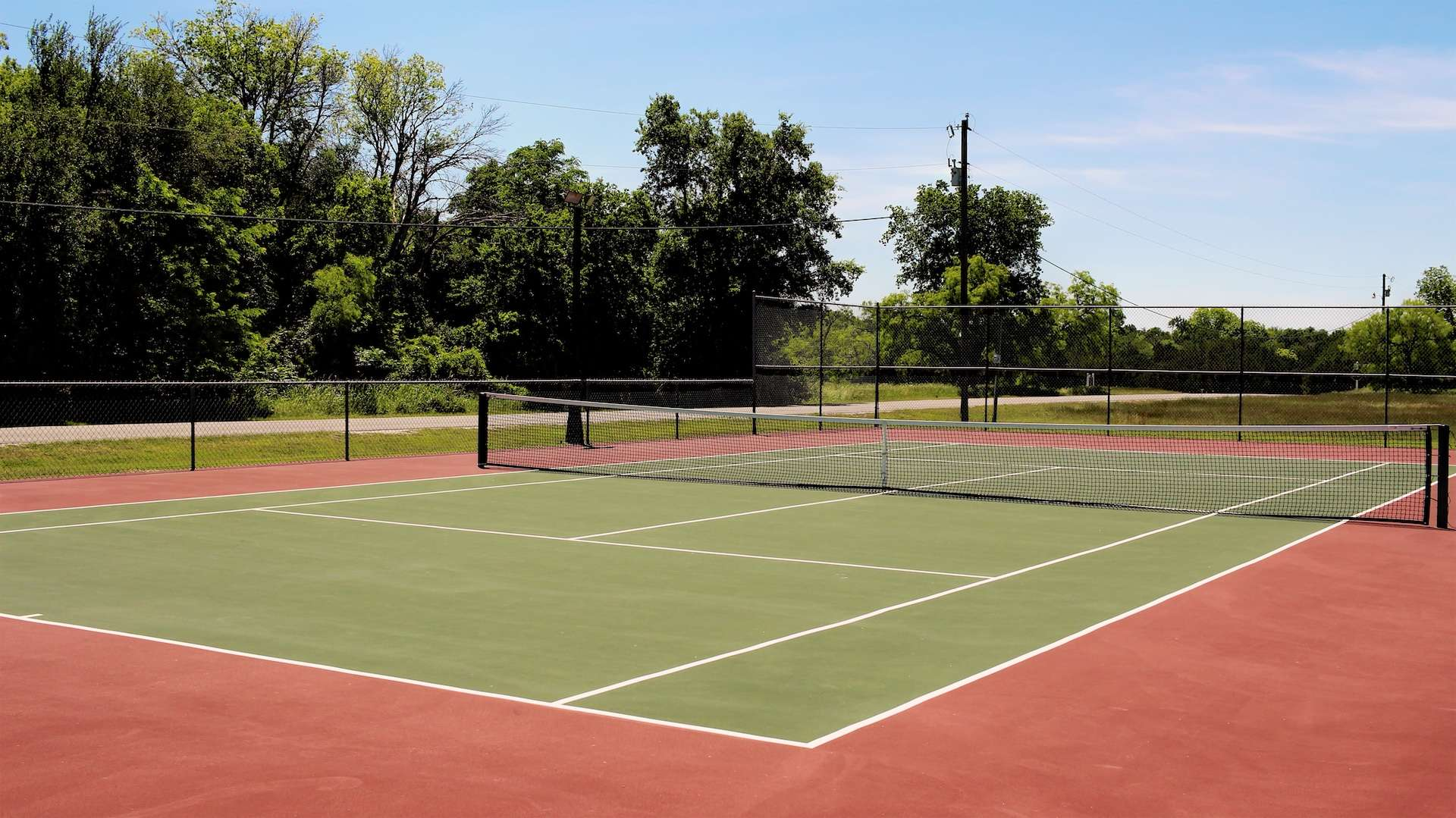 Photo of a tennis court at White Bluff