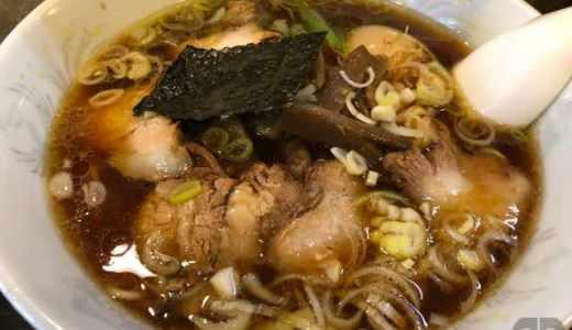 飯田橋のびぜん亭で一人ランチ。支那竹そば+ちゃーしゅー+玉子と最強の組み合わせで注文。炊き込みご飯と餃子もおいしかった!