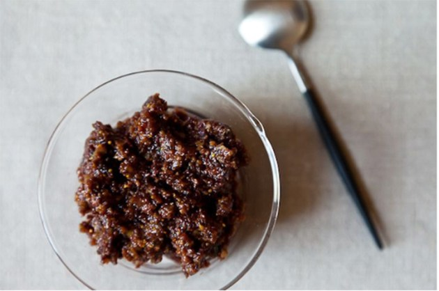 vegan-christmas-menu-fig-and-olive-tapenade-food-52-photo-by-James-Ransom-desmitten