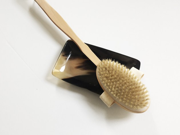 beauty-supply-dry-brushing-non-toxic-beauty-clean-beauty-detoxing-desmitten