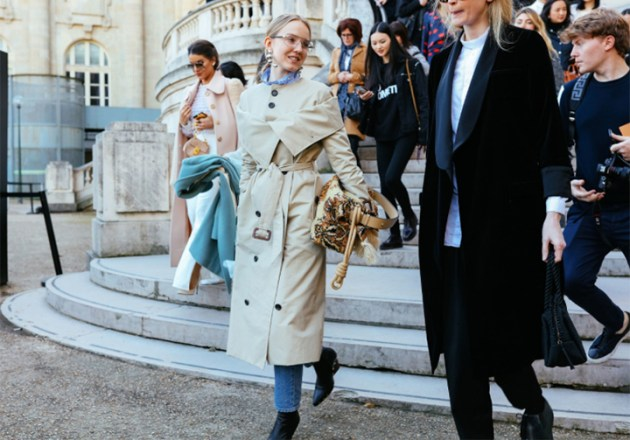 French-trench-style-paris-fashion-week-street-style-by-Phil-Oh-for-Vogue-desmitten