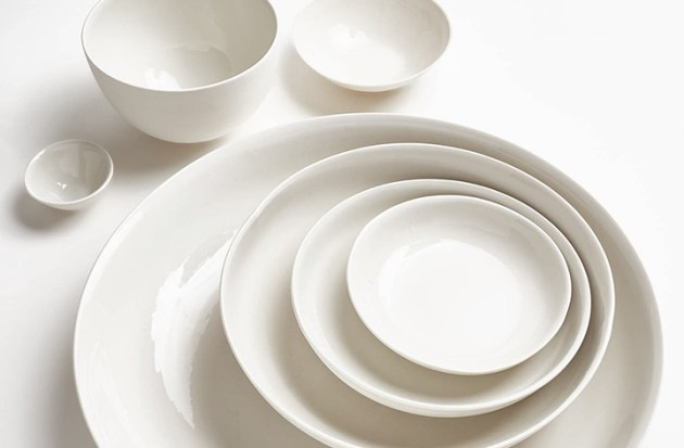 roundup-everyday-white-dishes-mud-australia-milk-bowls-desmitten