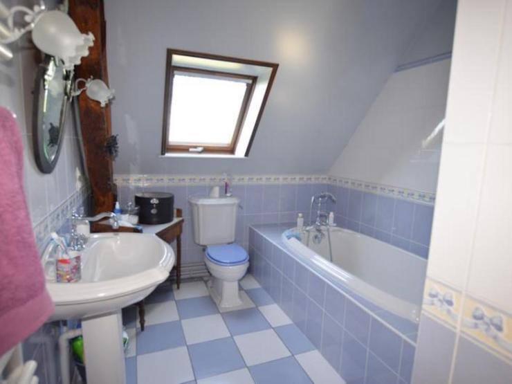 Vaste maison normande 240 m² environ8 pièces salle de bains