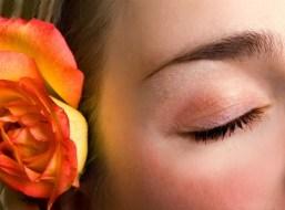 Pflege für die zarte Haut der Augen