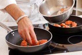 Gesundheitsschädliche Töpfe, Pfannen und Küchenutensilien