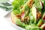 Salate mit Nüssen