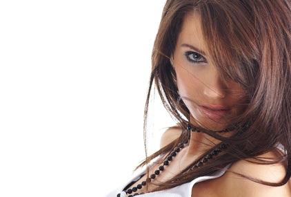 Färben Sie Ihre Haare mit Kräutern und natürliche Produkte