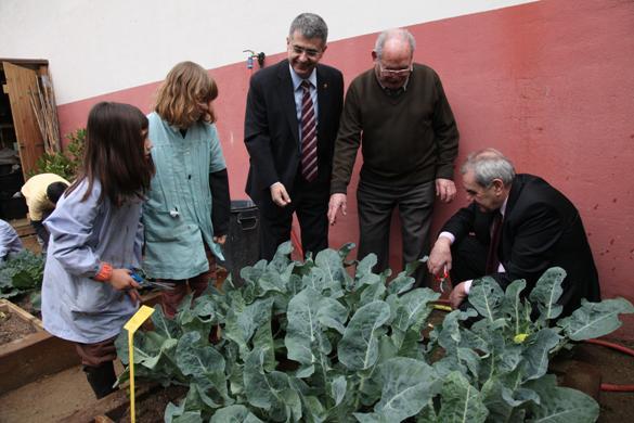 Präsentation der pädagogischen Materialien für organische Gärten