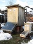 2 Solartrockner trocknen im Sommer auch Blueten