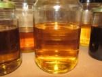 kalte Oelauszuege wie Beinwellwurzeln Öl lagern kuehl u dunkel