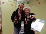 Rosi u Pierre verkaufen Beinwellwurzeln Öl online
