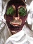 Schlehen Mus als verjuengende Gesichtsmaske strafft die Haut