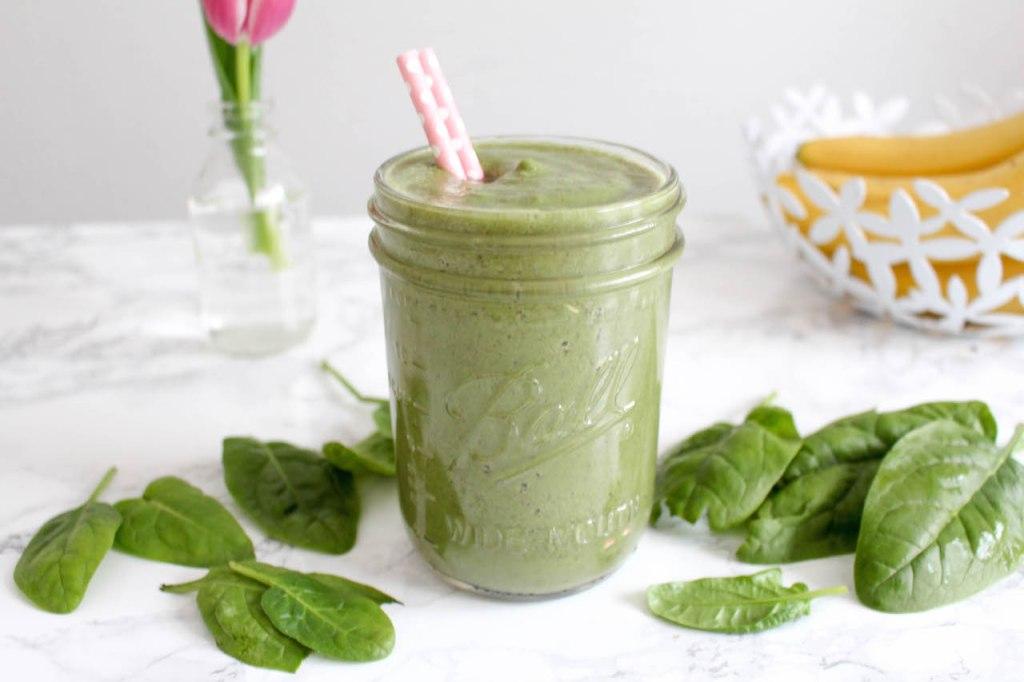 Der wirklich leckere grüne Smoothie - gesund, vegetarisch, vegan, glutenfrei, ohne raffinierten Zucker - de.heavenlynnhealthy.com