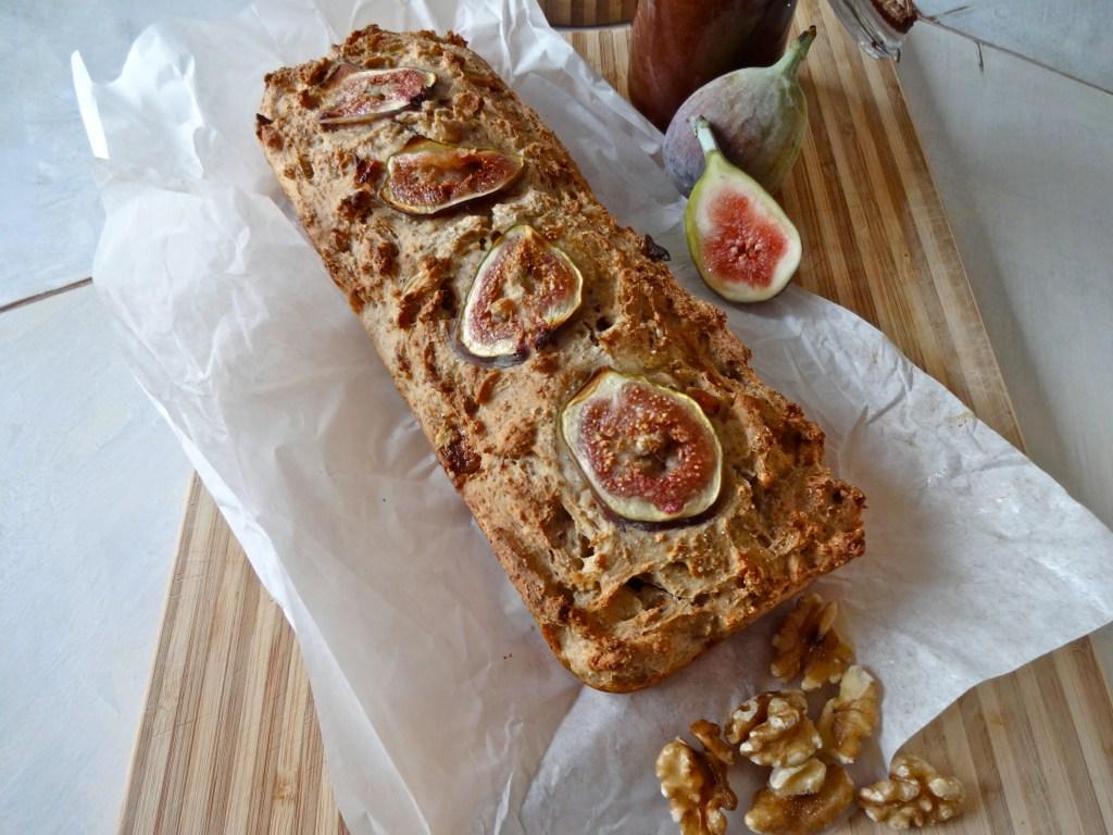 Süßes Feigen-Walnuss-Brot