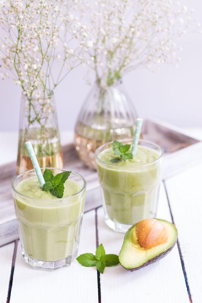 Avocadokern-Smoothie - rein pflanzlich, vegetarisch, vegan, glutenfrei, ohne raffinierten Zucker - de.heavenlyn
